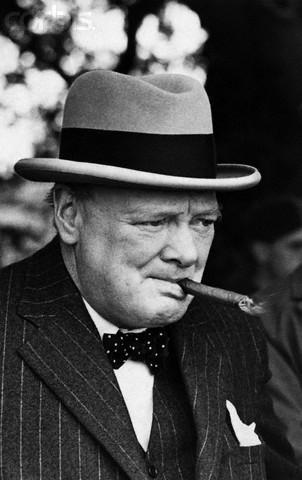 Уинстон Черчиль с сигарой
