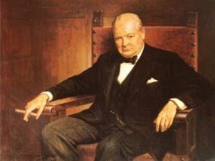 курит сигару Черчилль